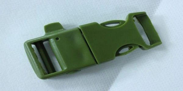 Release buckle for paracord bracelet with whistle and flint (OD)